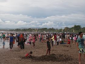 Suasana Tahun Baru 2012 di Pantai Pangandaran