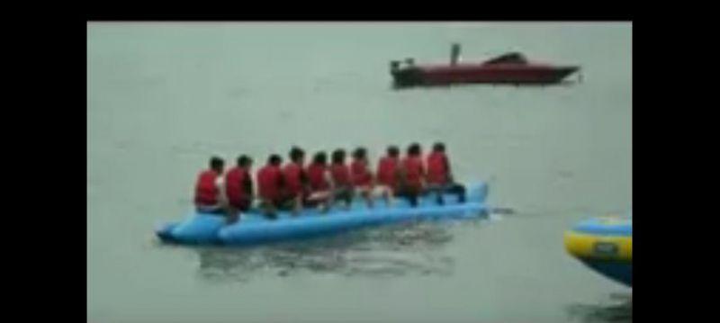 Banana Boat Pantai Timur Pangandaran