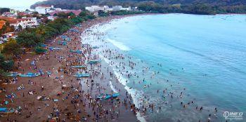 HUT RI 75 Pantai Pangandaran: Agustusan Berasa Lebaran