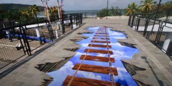 Indahnya Warna Warni Mural di Skywalk Pangandaran