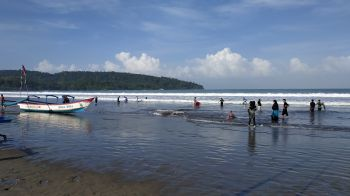Kondisi New Normal Pantai Barat Pangandaran
