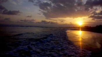 Menikmati Sunset Pangandaran