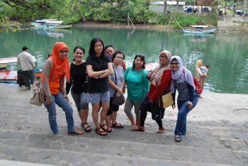 Menyusuri Sungai Green Canyon Bersama Mrs. Titin From Jakarta