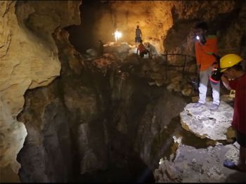 Negri Indonesia : Negeri Seribu Goa (Land of Thousand of Caves)